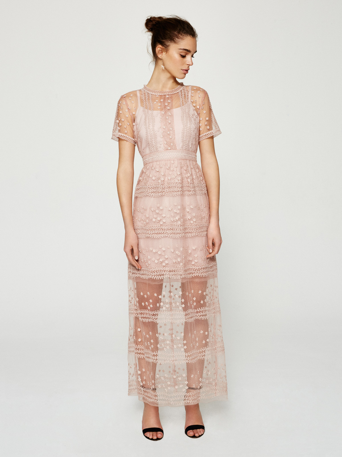 estromboli-vestido-largo-rosa-cuarzo-bordado-de-mioh-1